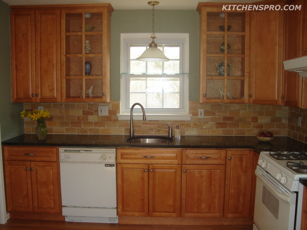 Cinnamon Maple Kitchen Cabinets And Bathroom Vanities Information Page