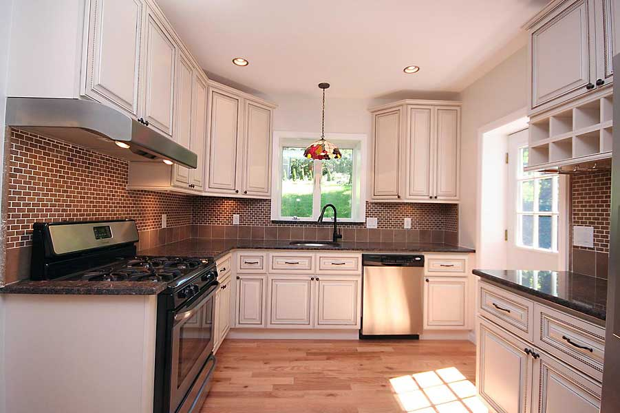 White glazed maple kitchen cabinets and bathroom vanities for New latest kitchen design