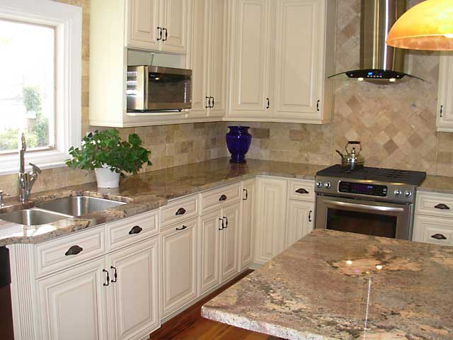 Kitchen cabinets cream with glaze - How to glaze kitchen cabinets cream ...